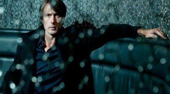 foto de brett anderson em 2007 para resenha do álbum homônimo