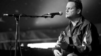 Vocalista Mark Kozelek do Sun Kil Moon