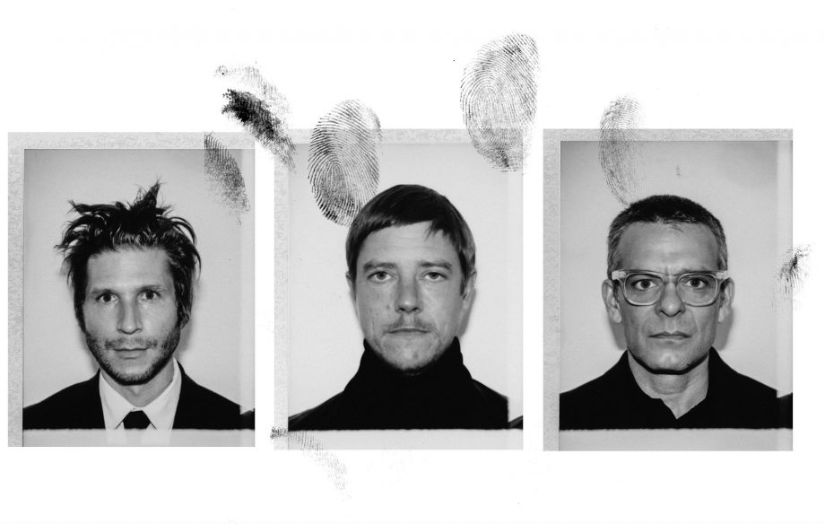 "Foto da banda Interpol para notícia do single ""Fine Mess"""