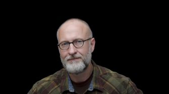 Foto de Bob Mould para resenha do álbum Sunshine Rock (2019)
