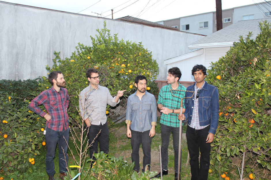 "Foto da banda californiana Young Hunting para resenha do álbum ""True Believers"""