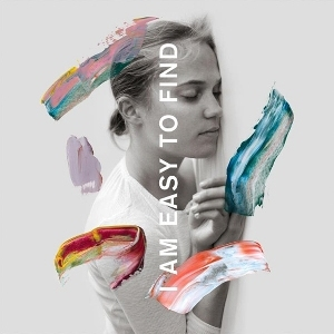 "Capa do álbum ""I Am Easy to Find"", da banda The National"