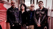 """Foto da banda Piroshka para resenha do álbum """"Brickbat"""""""