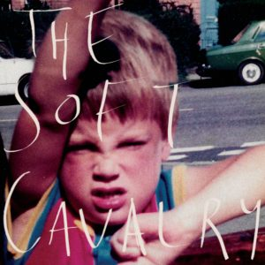Capa do álbum de estreia do dua The Soft Cavalry, de Rachel Goswell e Steve Clarke