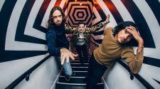 "Foto da banda Yeasayer para notícia do álbum ""Erotic reruns"""