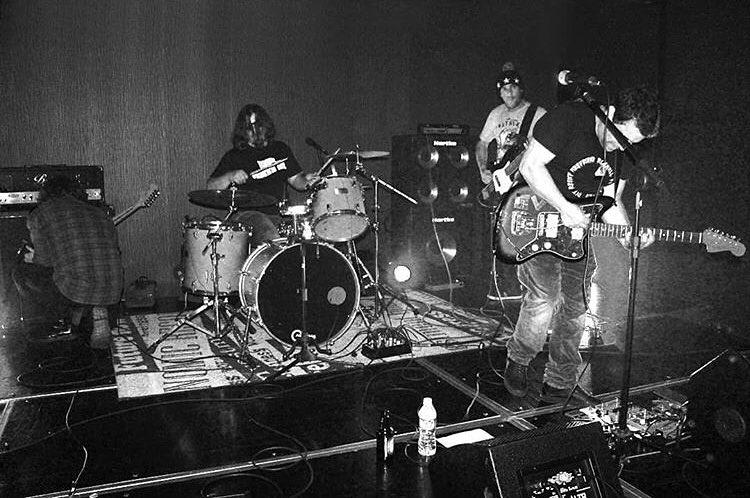 Foto da banda Early Mornig Sky ao vivo