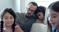 """Foto de cena do filme """"Como Nossos Pais"""""""