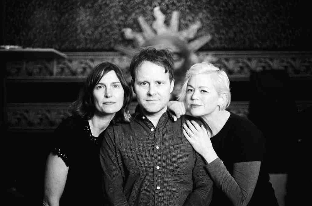 "Foto da banda Slowness para resenha do álbum ""Berths"""