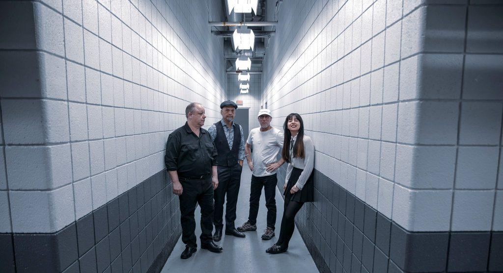 """Foto da banda Pixies para texto sobre o álbum """"Beneath the Eyrie"""""""
