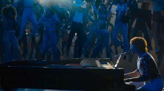 "Cena do filme ""Rocketman"", sobre Elton John"