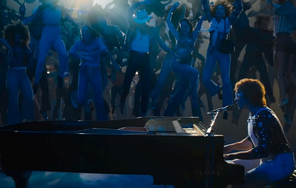 "Cena do filme ""Rocketman"", sobre Elton John"