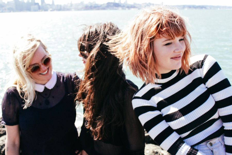 "Foto da banda Bleached para resenha do álbum ""Don't You Think You've Had Enough"" (2019)"
