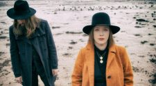 Foto de Rachel Goswell e Steve Clarke para resenha do álbum The Soft Cavalry