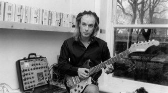 Foto de Brian Eno na década de 70