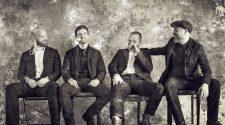 Foto Coldplay para divulgação do álbum Everyday Life