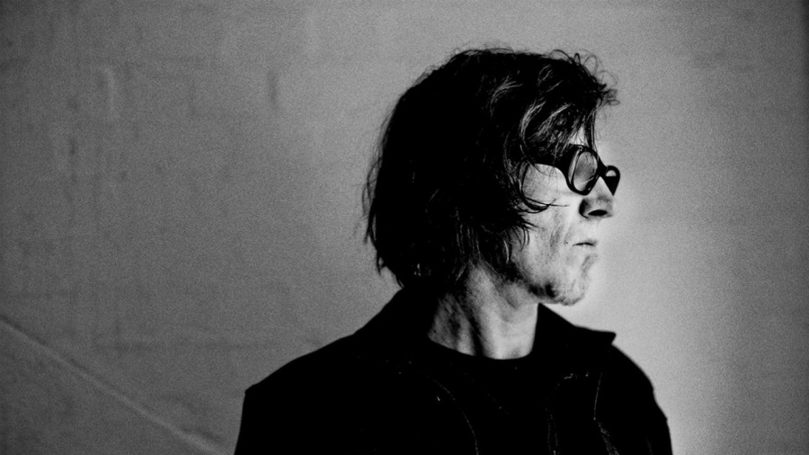 Foto de Mark Lanegan para notícia do álbum Straight Songs of Sorrow