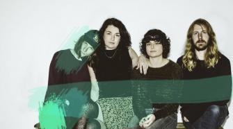 Foto da banda Flyying Colours