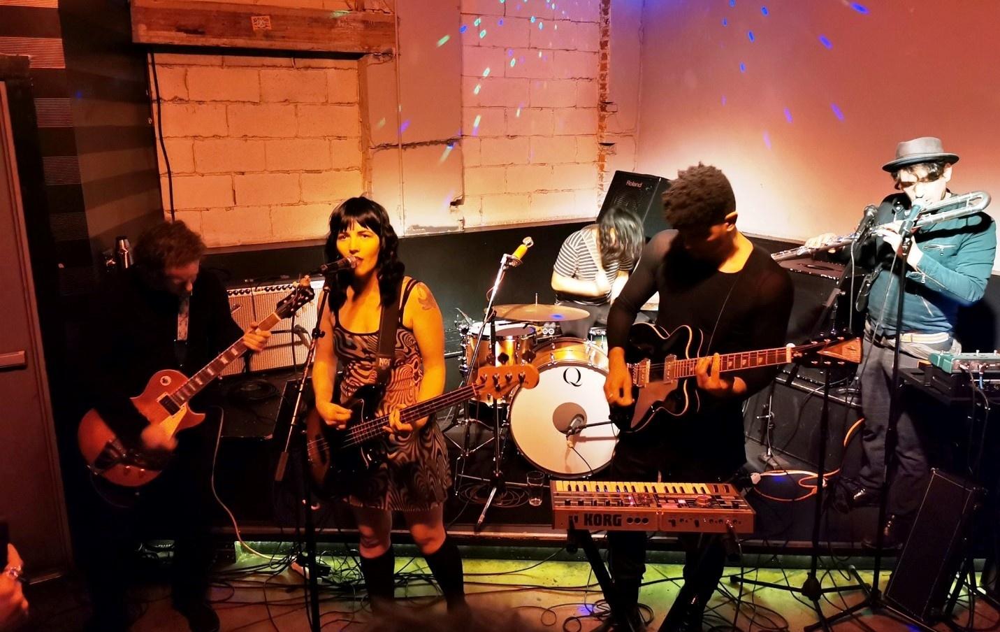 Mooncult, foto da banda