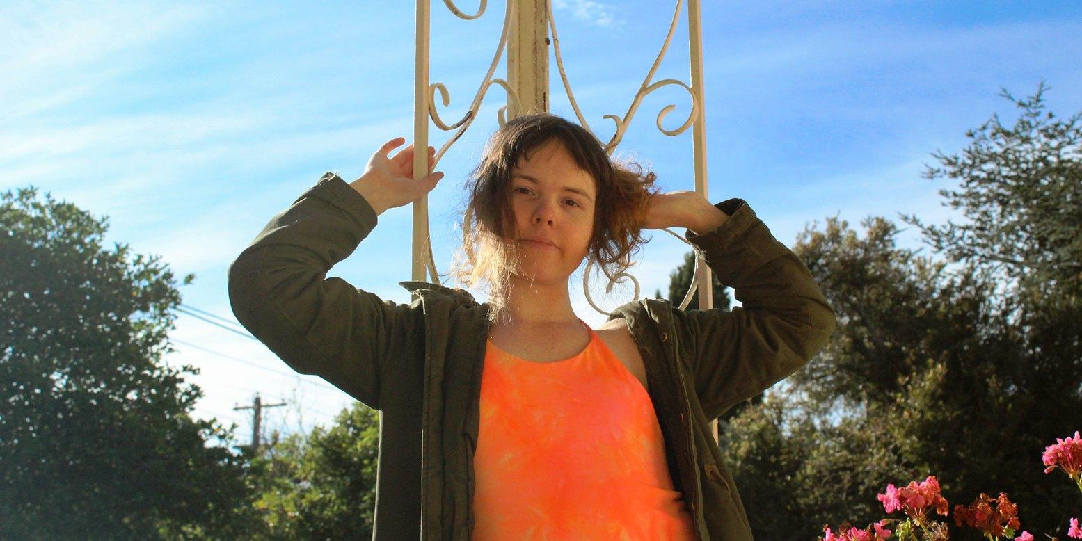 Katie Dey, resenha Mydata