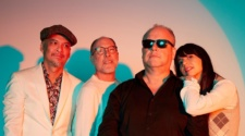 Pixies - Hear Me Out Single